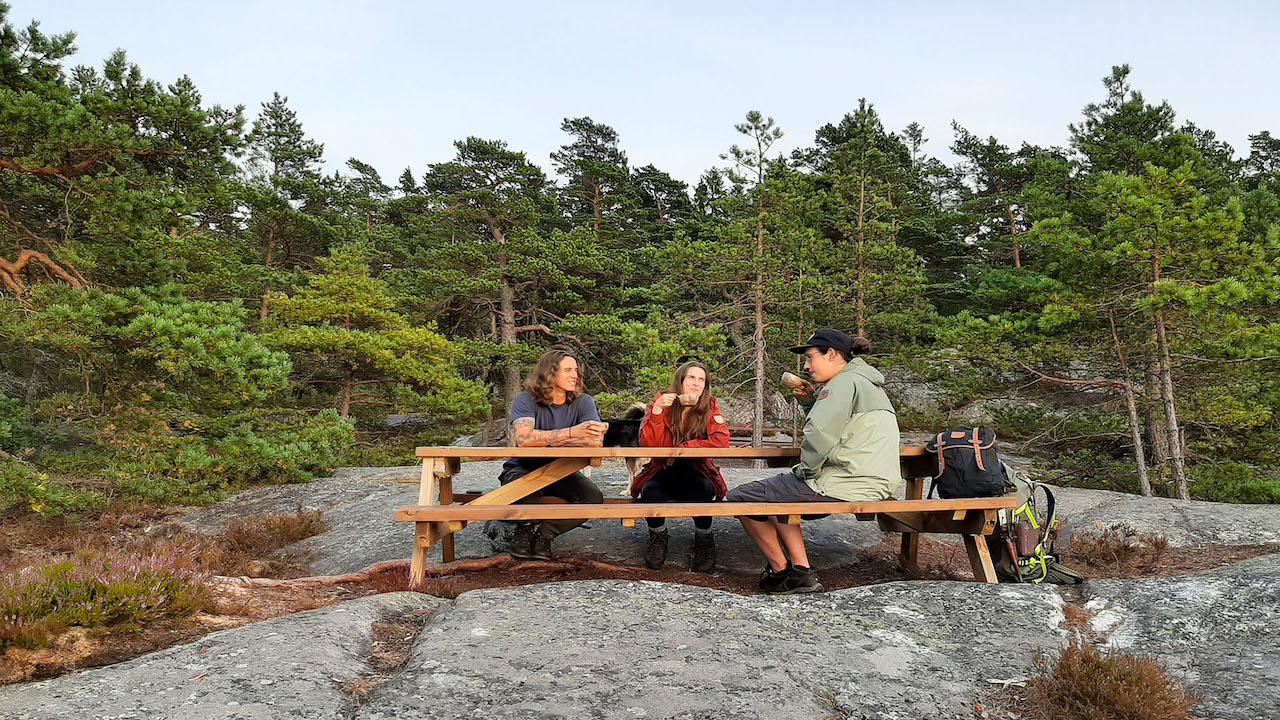 lunch break for hikers inside of a national park