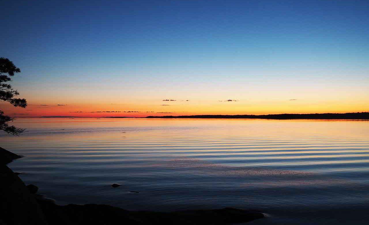 sunset in helsinki archipelago